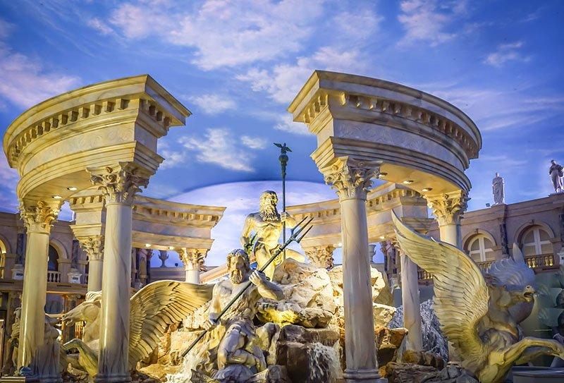 visit places in Las Vegas